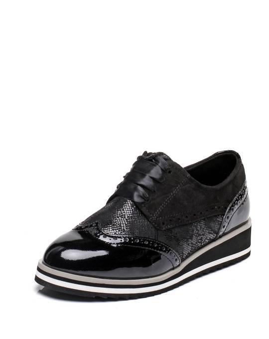 slēgtas kurpes Caprice